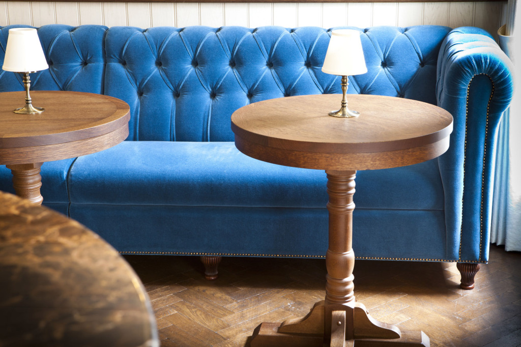 Blue Chesterfield Style Banquette | Restaurant Seating