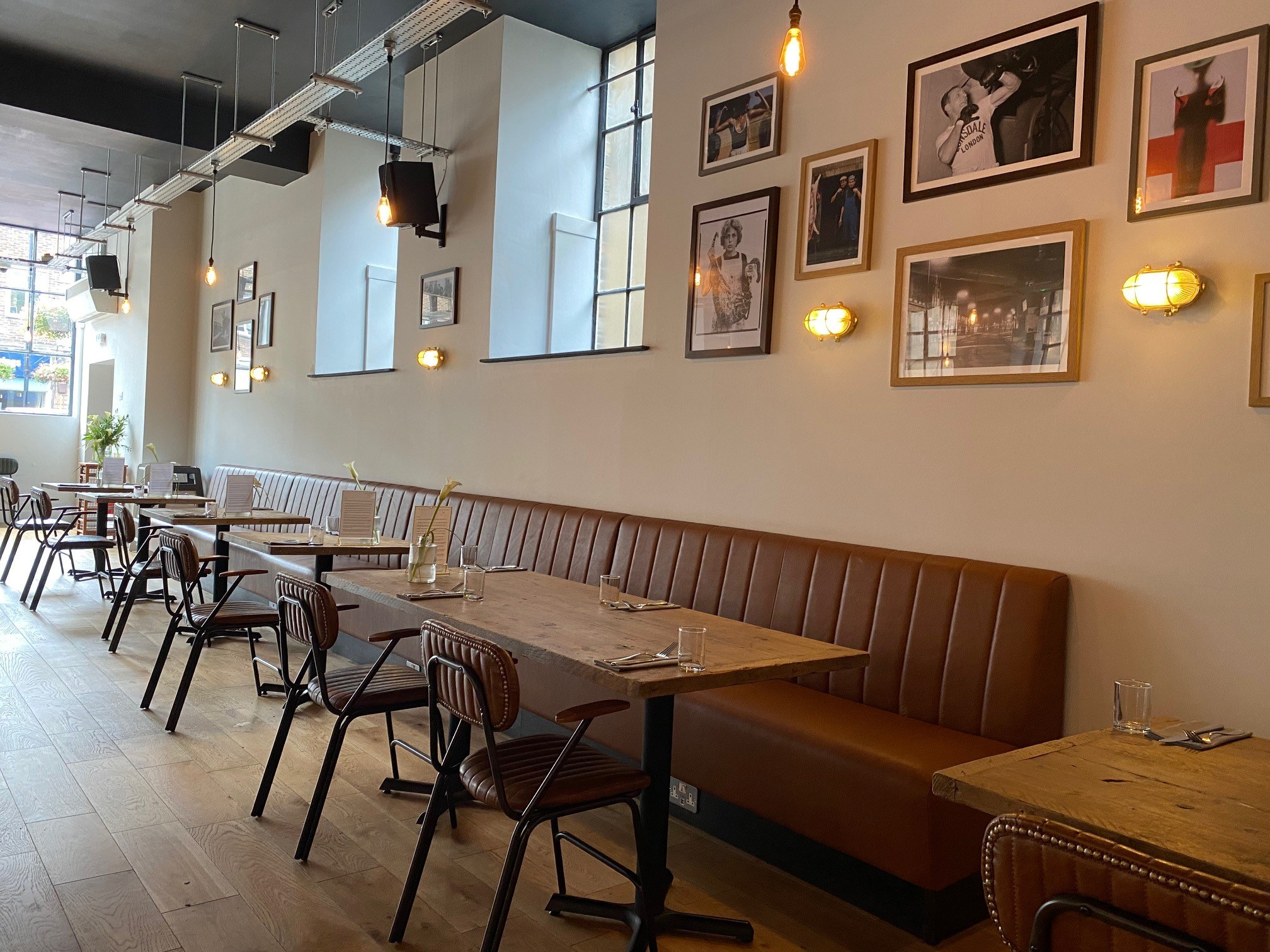 Gastropub leather banquette seating | Craftwood