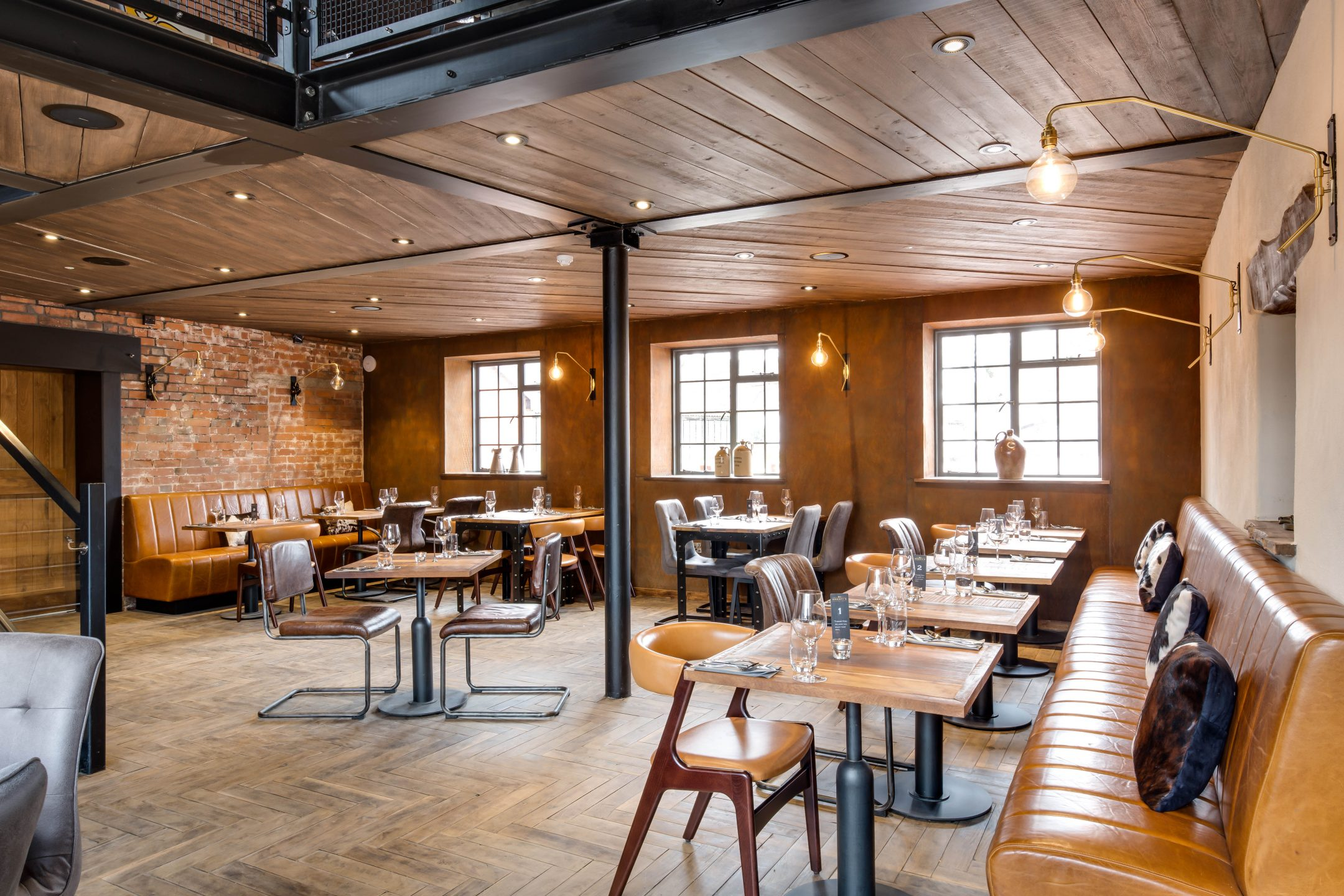 Restaurant Banquette Seating | Fluted Backs and Seats | Craftwood Interiors