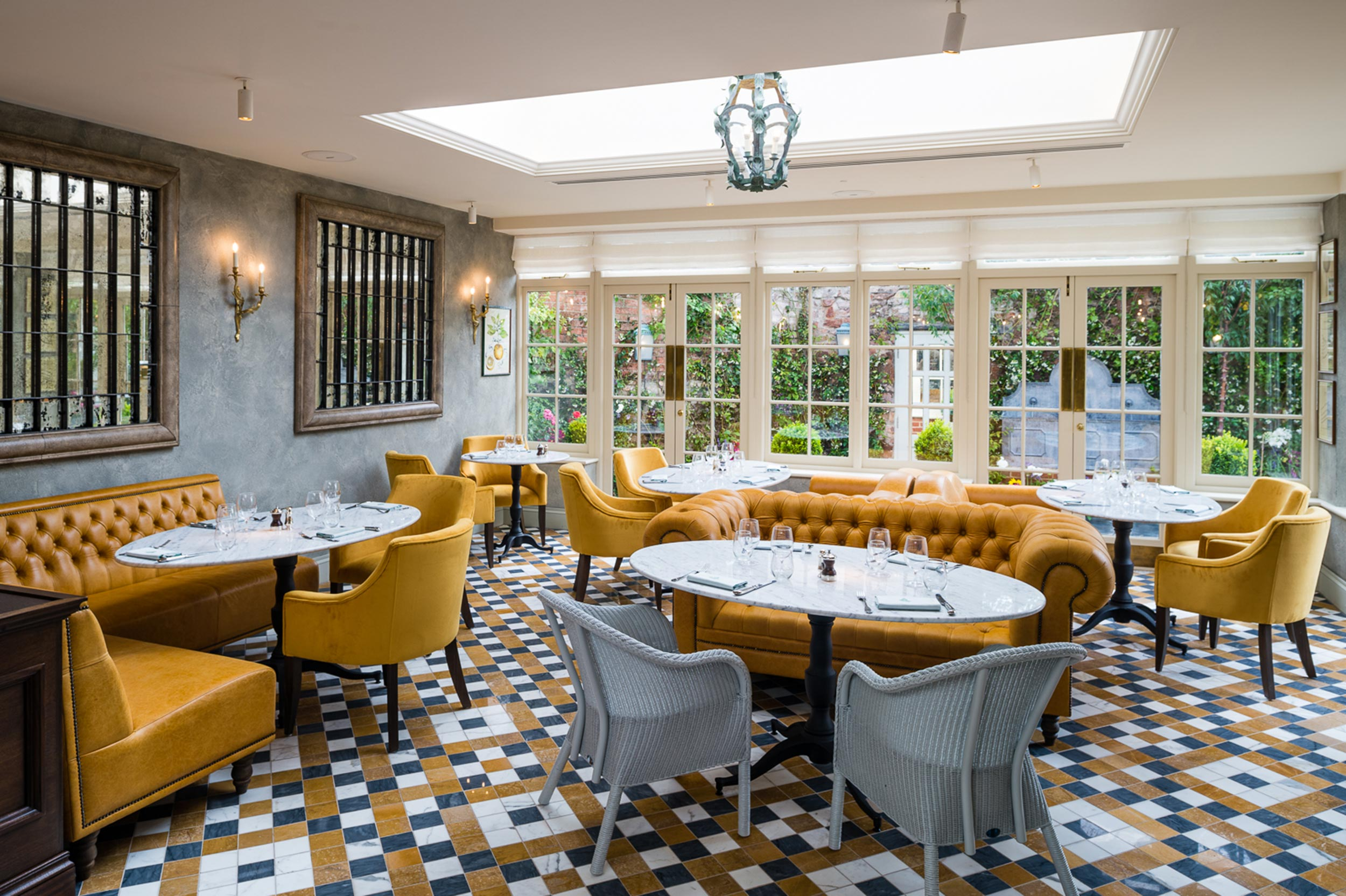 The Ivy Clifton Brasserie Bristol Wmih 16 1140 Id1