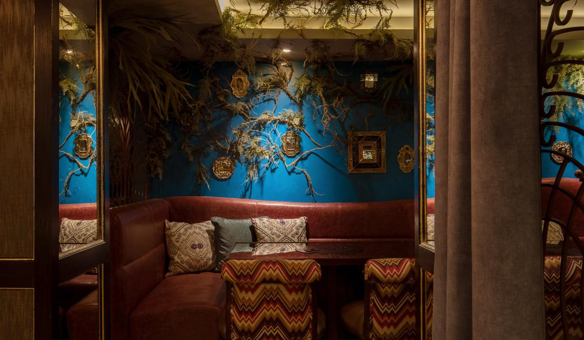 Leather banquette | Coya Restaurant | Craftwood Interiors