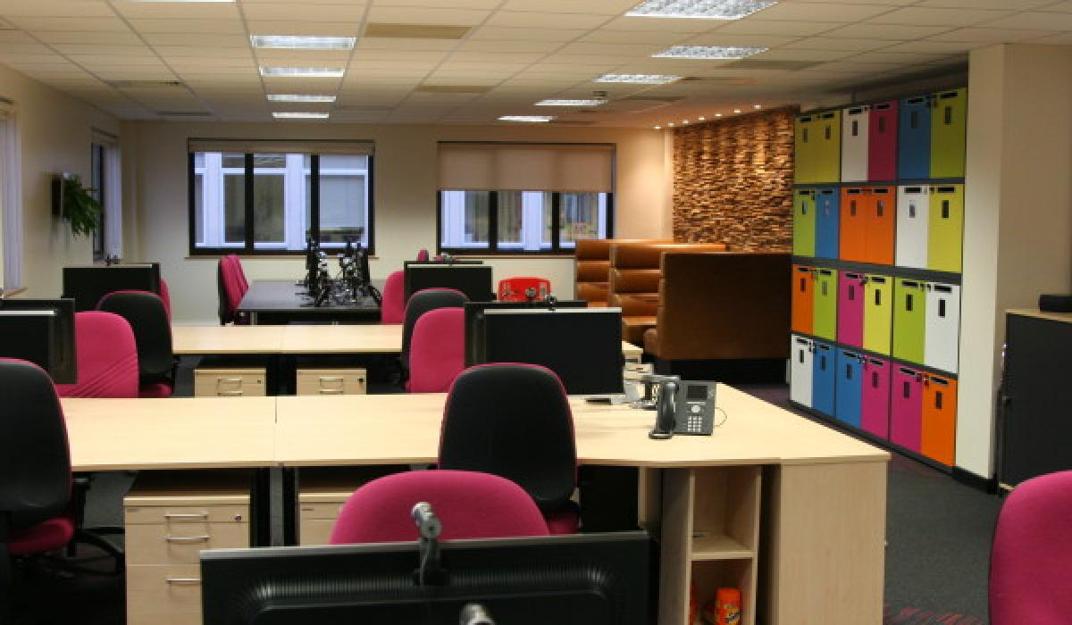 Twinings-Office-Refurbishment-Andover-9649-Id2-600X430